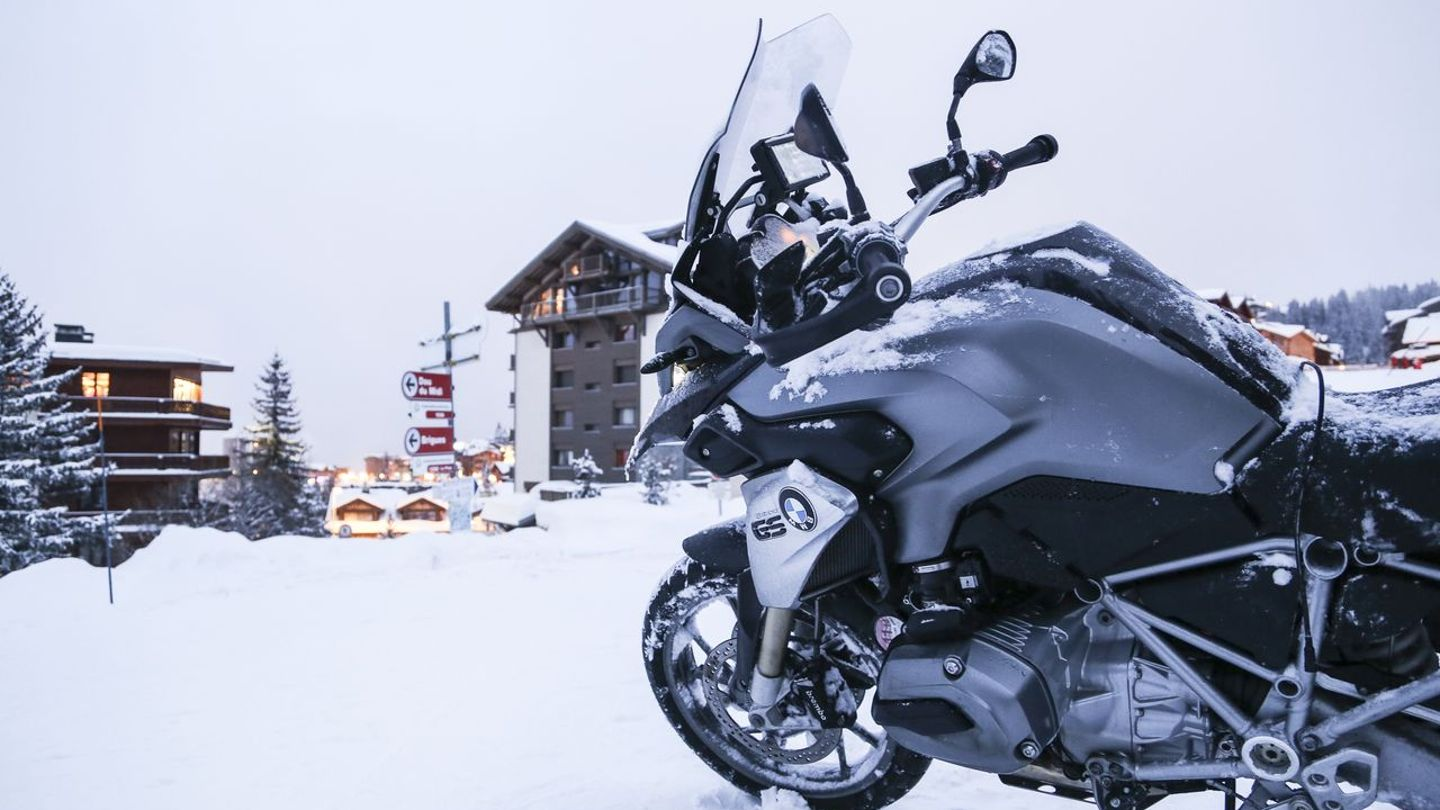 Five reasons to try the new BMW R1200GS | Superbike Magazine