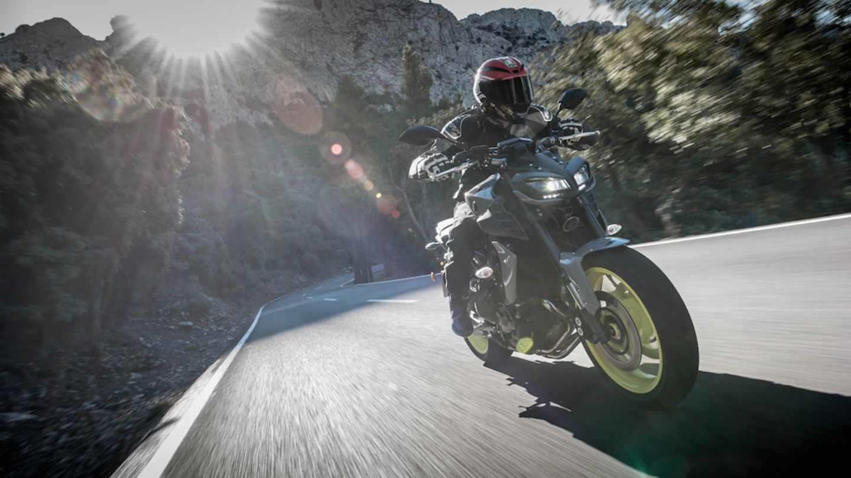 2017 Yamaha MT-09. Full review and video. | Superbike Magazine