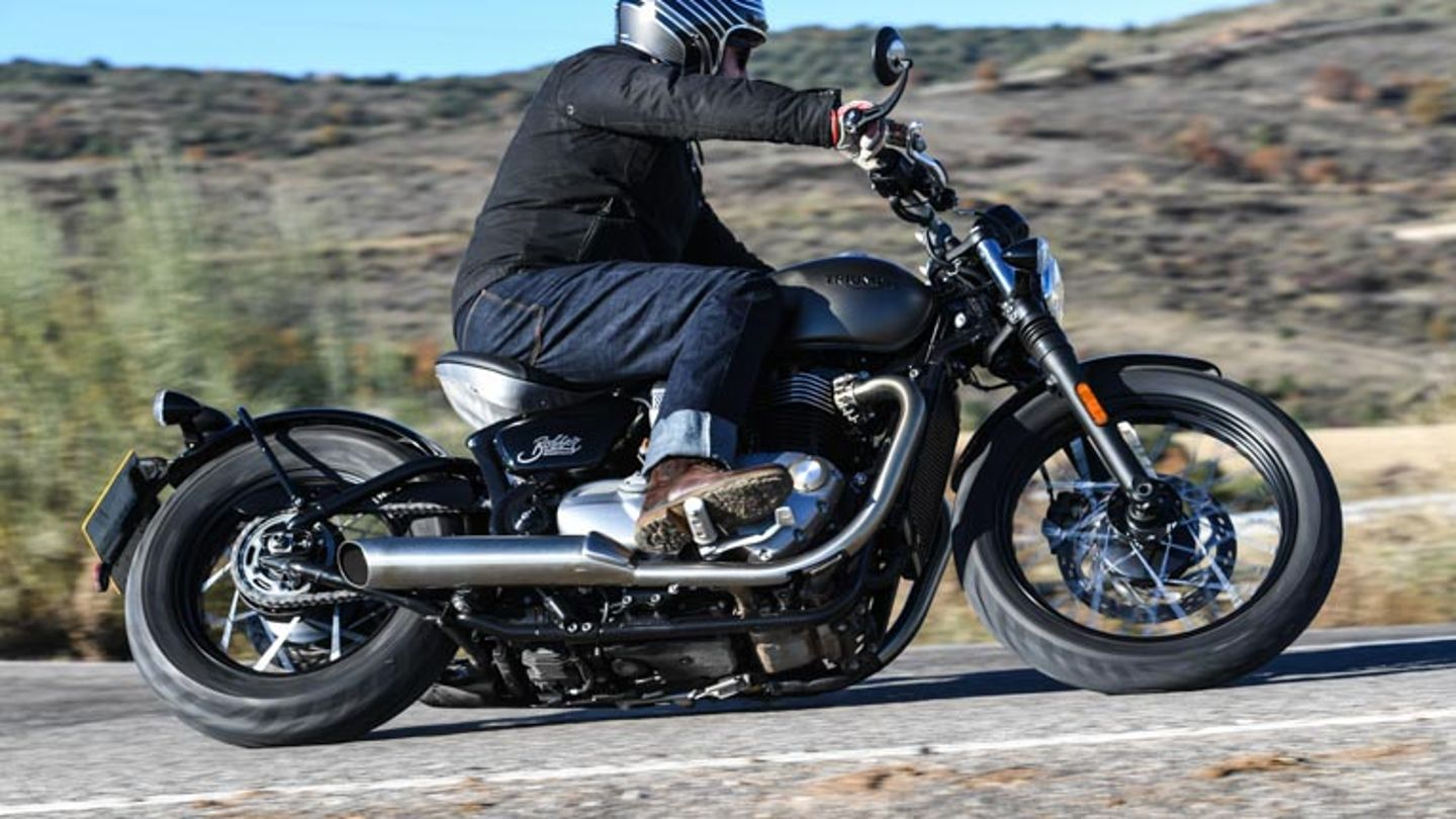 2017 Triumph Bonneville Bobber Full Review With Video Superbike Magazine