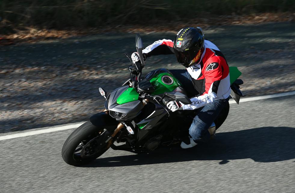 My Instant Offer >> 2014 Kawasaki Z1000 Review | Superbike Magazine