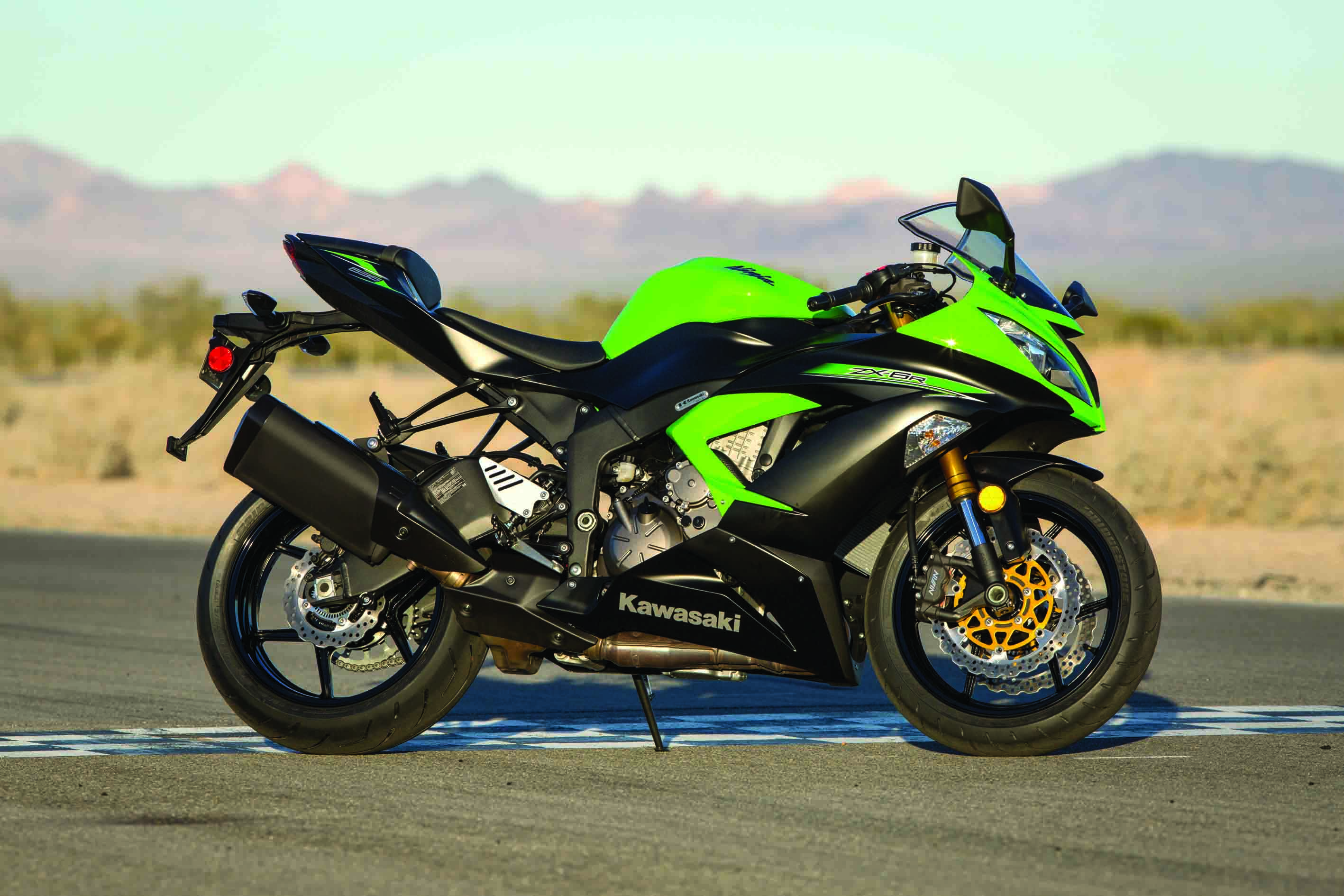 How To Turn Your Zx 6r 636 Into A Track Weapon Superbike