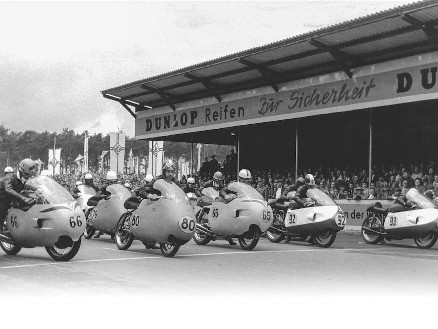 John-Surtees-Superbike-3.png