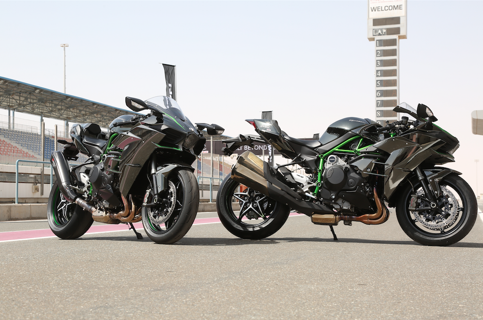 H Hour First Ride Of The Kawasaki H2 And H2r Superbike Magazine