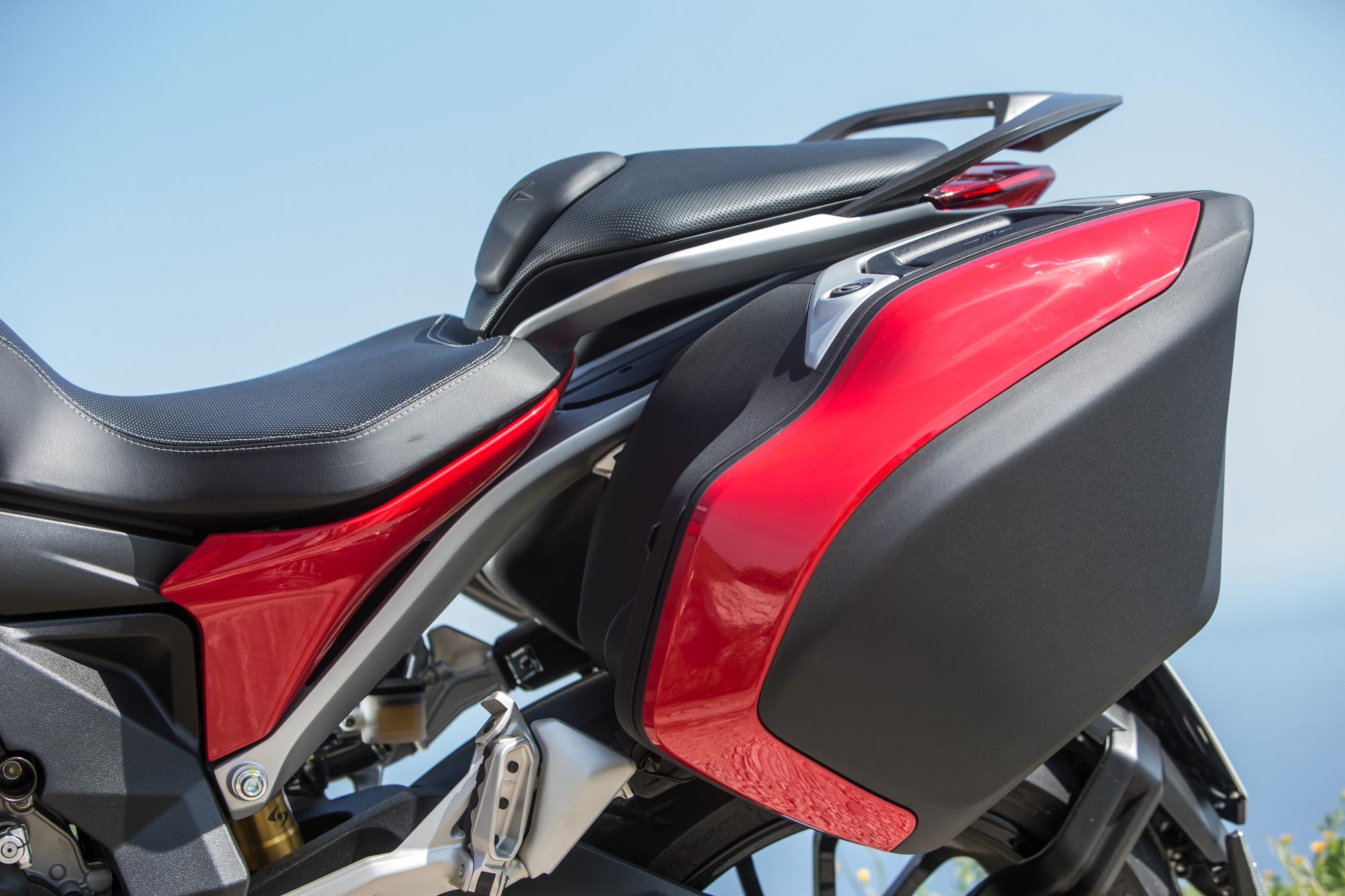 2015 mv agusta turismo veloce first ride superbike magazine. Black Bedroom Furniture Sets. Home Design Ideas