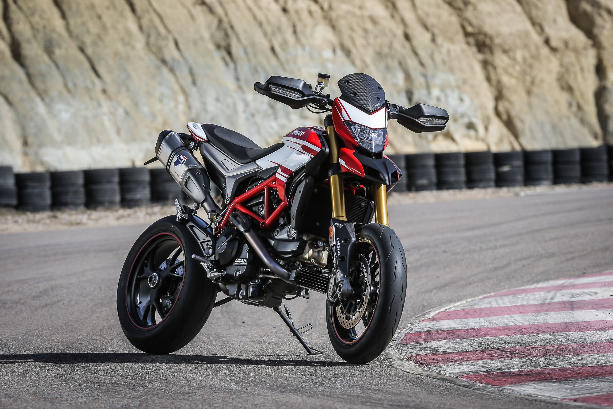 2016 Ducati Hypermotard Sp And Hyperstrada Superbike