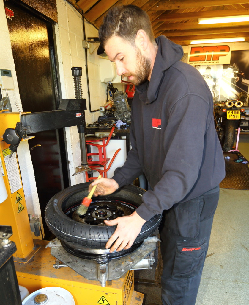 Dan the man Miles swapping the PR4s onto the GSX-S wheels
