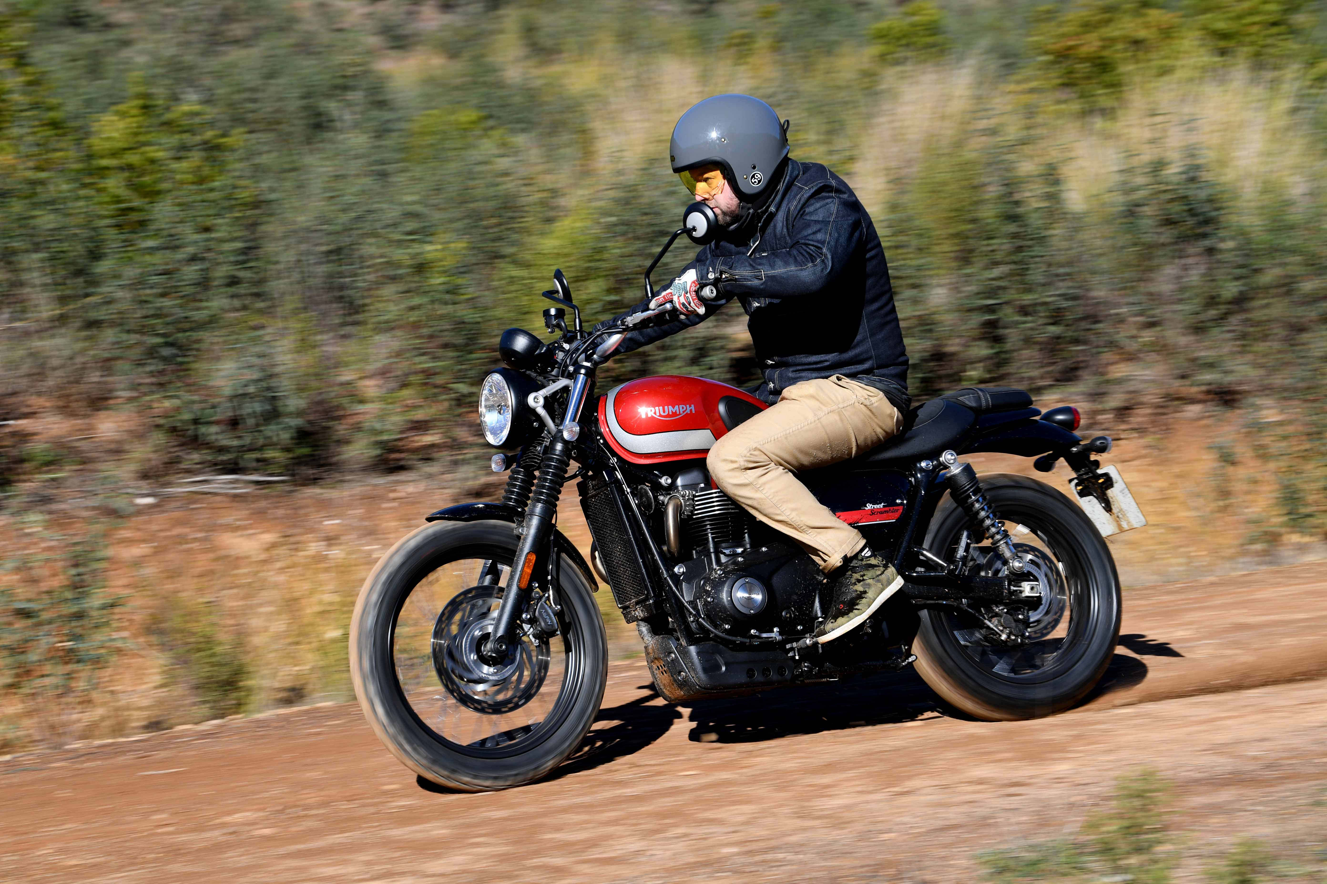 triumph street scrambler full review with video superbike magazine. Black Bedroom Furniture Sets. Home Design Ideas